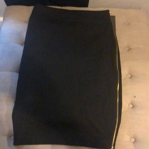 High waisted black pencil skirt